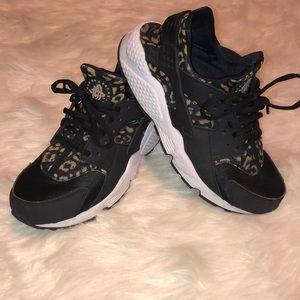 Women's Nike Air Huaraches 'Leopard'